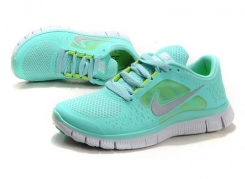 Nike Free running shoes in turquoise